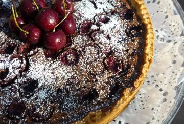 Tarta de cerezas y chocolate
