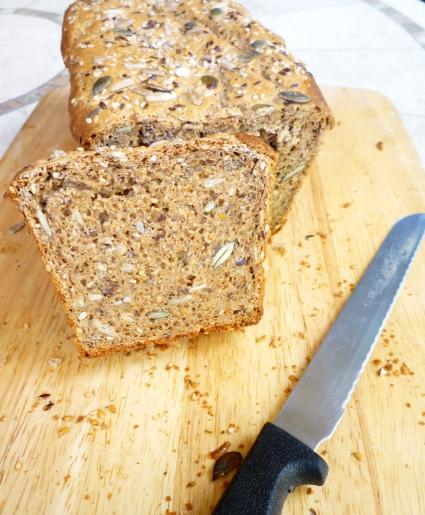 Pan integral de espelta y trigo