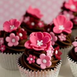 pink-flower-cupcake-web-2